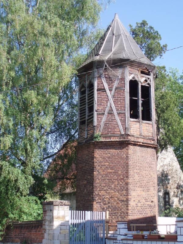 Glockenturm der Kirche in Gerstewitz